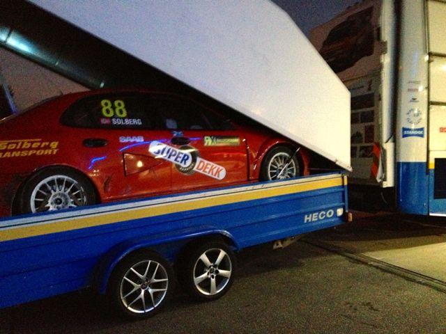 Nachts an der Autobahn: Per Eklund Racing und Saab 9-3