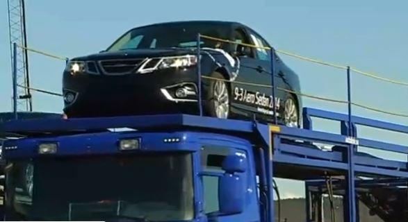 Saab 9-3 werden in Trollhattan verladen. Video Clip bei SVD
