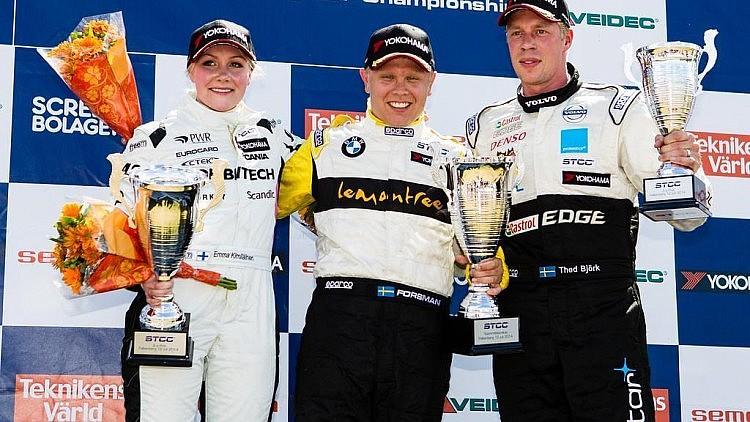 Emma Kimilainen com Saab 9-3 no lugar 2
