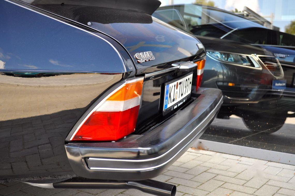 Saab 99 Turbo meets Saab 9-5 NG. © 2014 saabblog.net