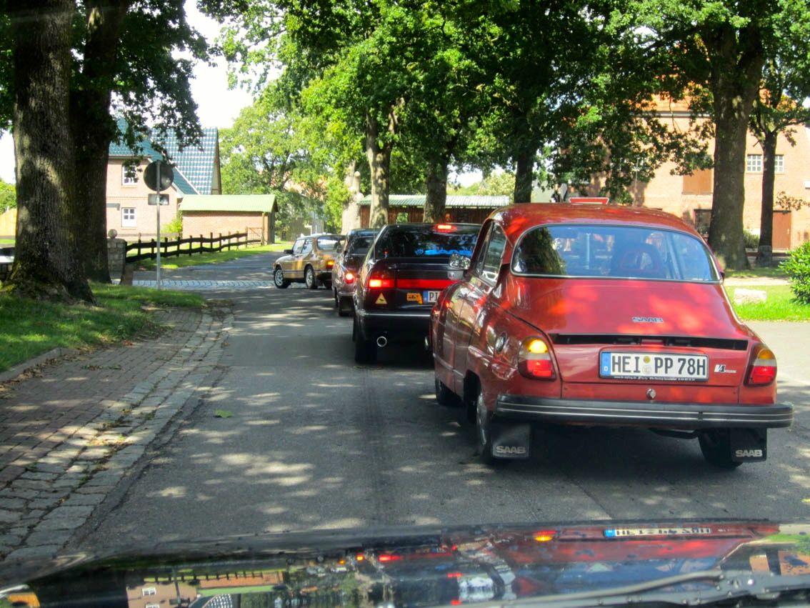 Saab sai da Neumuenster. © 2014 O. Apanhados