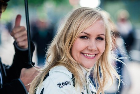 Emma, também 2015 no Saab no caminho. Imagem: STCC