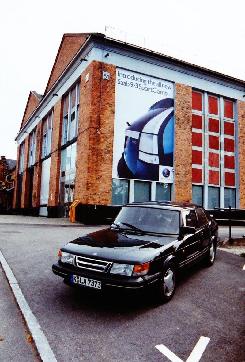 ... in natürlicher Umgebung (waren das noch Zeiten, als am Saab-Museum neue Saab-Fahrzeuge beworben wurden...)