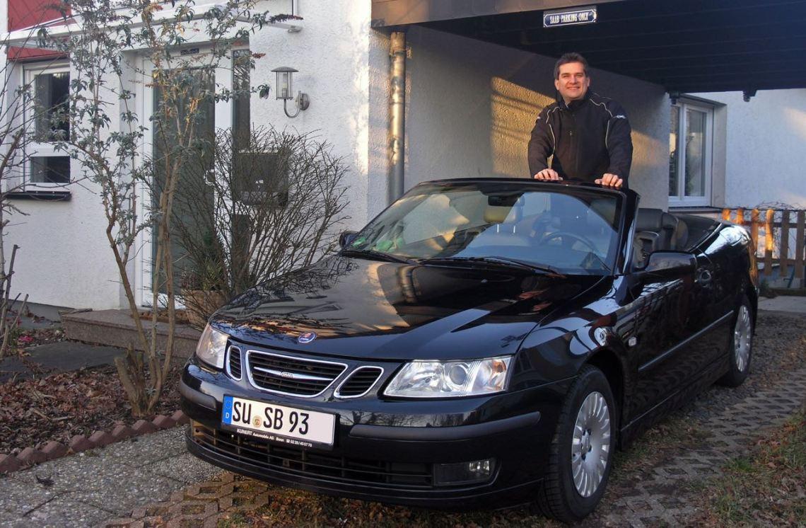 Ein Individualist und sein Auto: Thorsten mit seinem Saab 9-3 Cabriolet