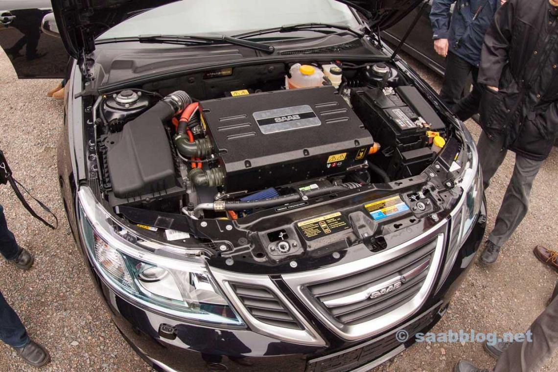 Unique sight under the hood of this 9-3EV prototype.