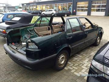 Saab 9000, zonder dak. Zou een combinatie moeten zijn.