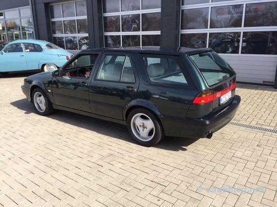 Eerste blik op de nieuwe Saab. De achterste schijven nog steeds zonder teennagel.