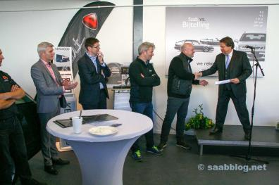 Royal Commissioner Tichelaar with Saabpartners owners and NEVS delegation