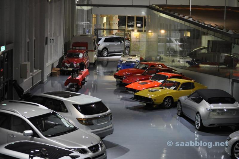 Saab Museum. Ensam, utan besökare på natten.