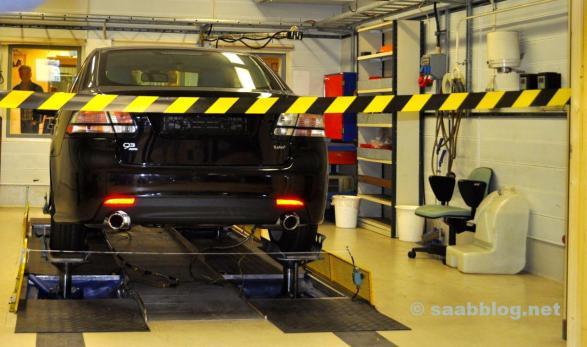 Saab Powertrain Complex. In een laboratorium kijken.