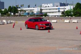 El trabajo como telón de fondo, no más banderas de Saab.