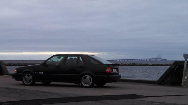 Saab 9000 mit Öresund Brücke