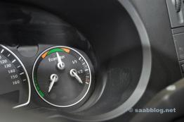 Batterieladung, Stromverbrauch, Reichweite im Kombi Instrument.