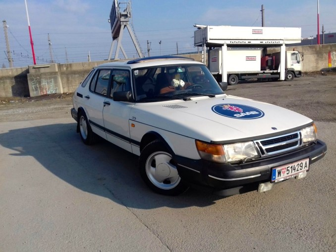 Saab 900 von Roland