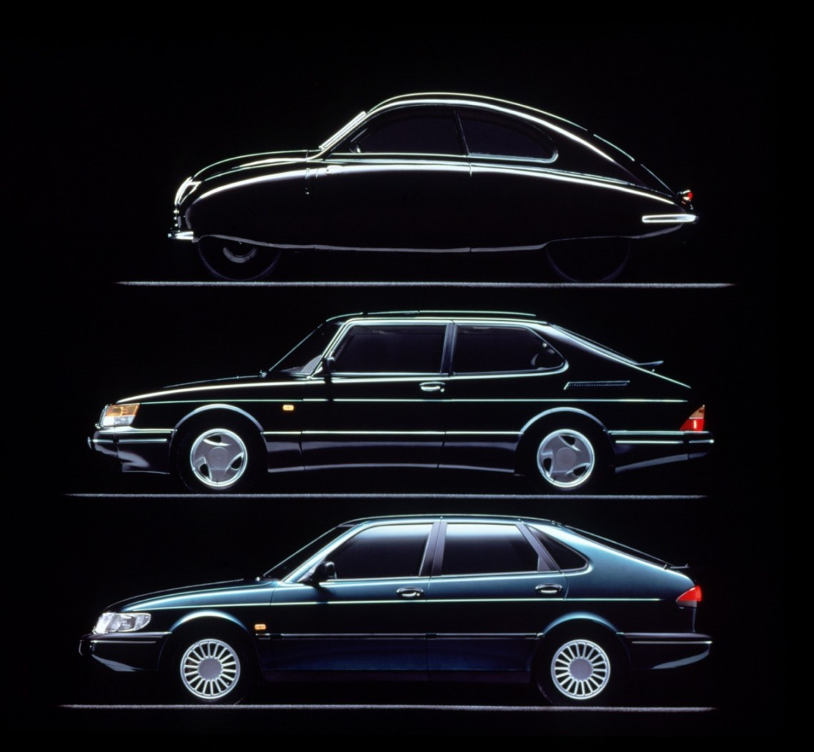 Saab 1947 - 1993. De ontwerplijn volgt nog steeds de vorm van een vliegtuigvleugel
