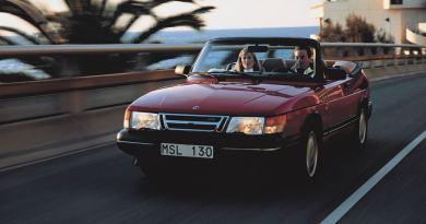 Verano! Saab 900 Cabriolet en el camino hacia el sur