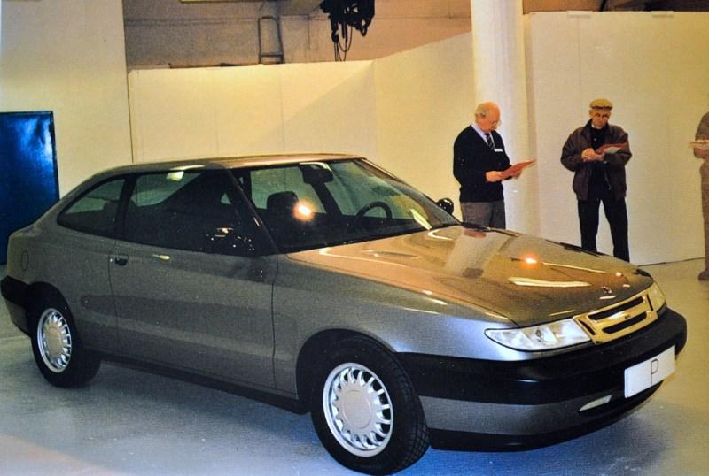 Primer borrador del proyecto de Saab 104 Car Clinic