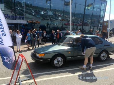 Saab 900 at the start