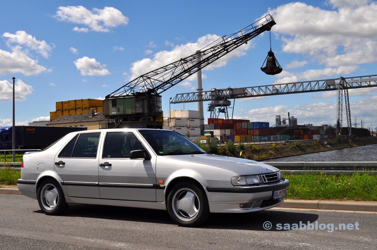 Saab 9000 stor och saker till litet pris