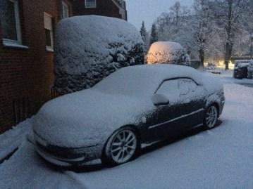 Un convertible está acondicionado para el invierno. Especialmente cuando viene de Saab