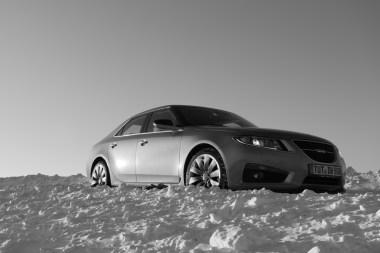 É essa arte, ou apenas um Saab? Imagem de Claus