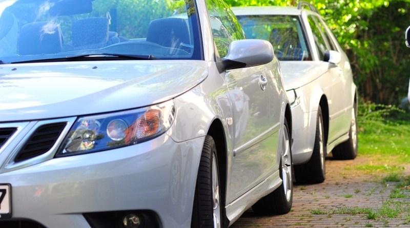 Мысли о взгляде на два Saabs (семья Saab и их история)