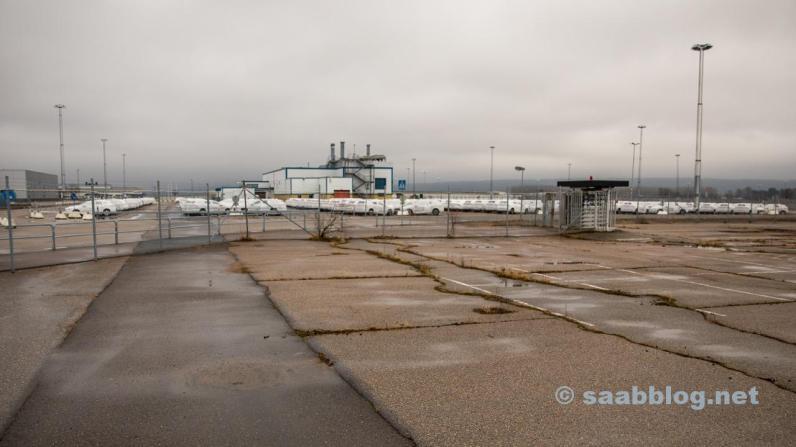 ...parken an der alten Saab Fabrik.