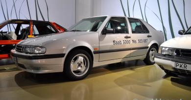 6. Può 1998. L'ultimo Saab 9000 è fuori linea.