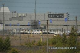 NEVS-logotypen på Saab-fabriken. Jag brukar aldrig bli van vid det.