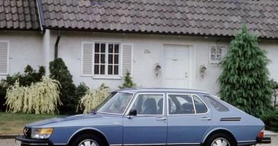 An 40 anniversary, a man, a car.