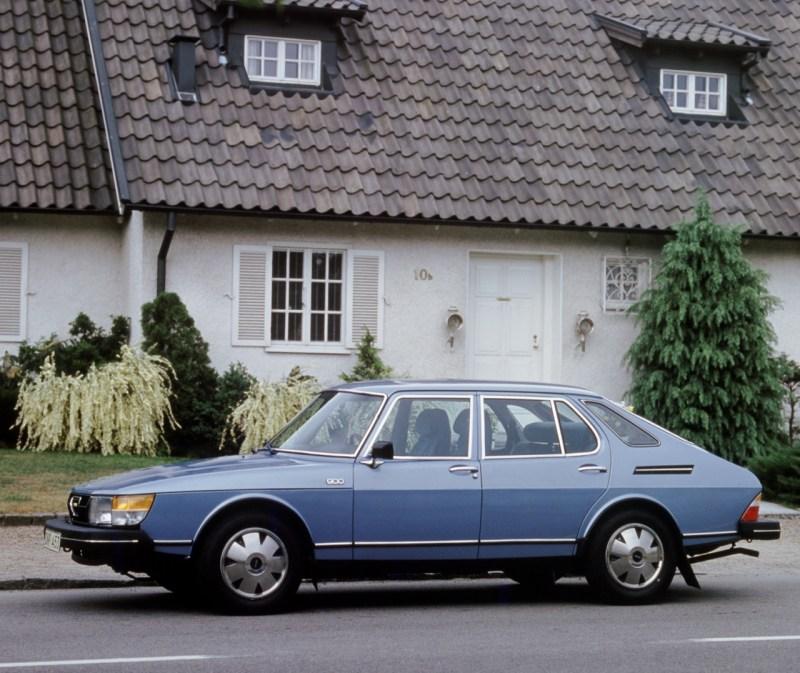 Tidigare Saab 900. Han hade också ett luftfilter