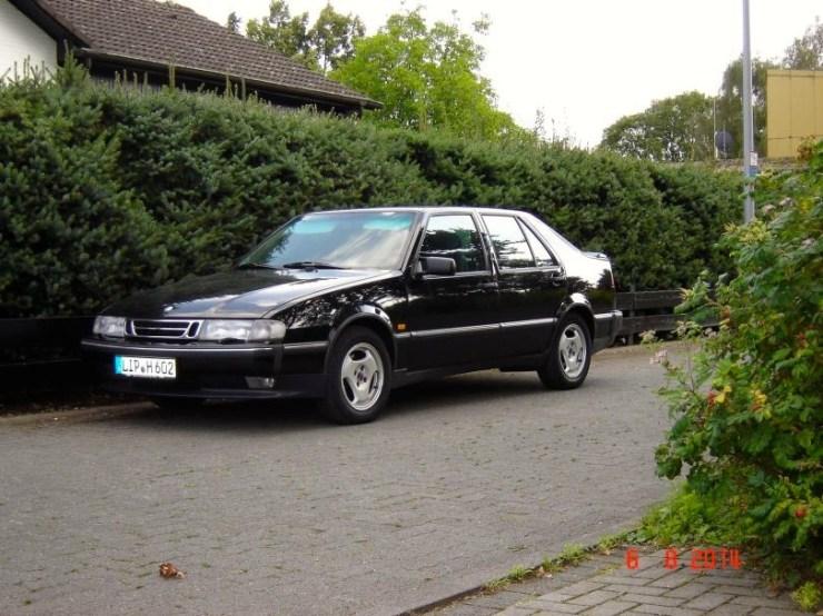 Saab 9000 = carro da empresa