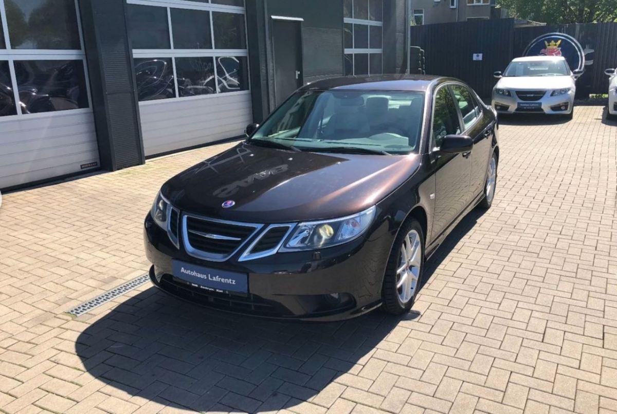 Le 3 (sans doute) les dernières voitures neuves Saab
