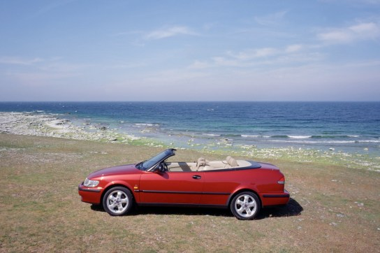 Open Saab Youngtimer with classic potential. The Saab 9-3 I