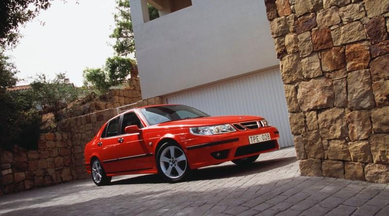 Saab 9-5 Aero modellår 2005. Vad annat parkerar utanför ytterdörren. Finns det några alternativ till Saab?
