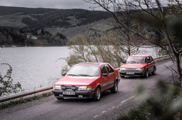 Classic from the Göta Älv. Saab 9000 CD and Saab 900.