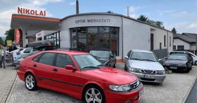 Saab en Kriftel frente a la gasolinera Nikolai