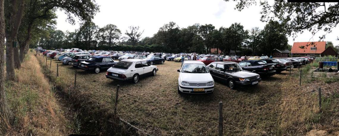 Le parking (vache) plein