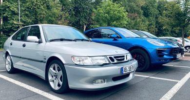 Saab vs. Digitalisation. L'analogique est certainement la voiture la plus élégante.