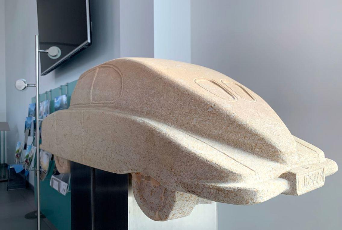 Klein detail. De Ursaab als een sculptuur.