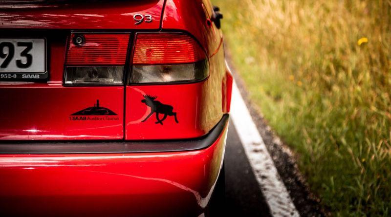 Moose et Saab. Ça va.