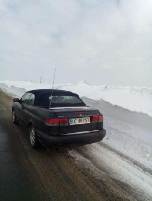 Cabriolets são carros para o ano inteiro. Foto de inverno de Daniel.
