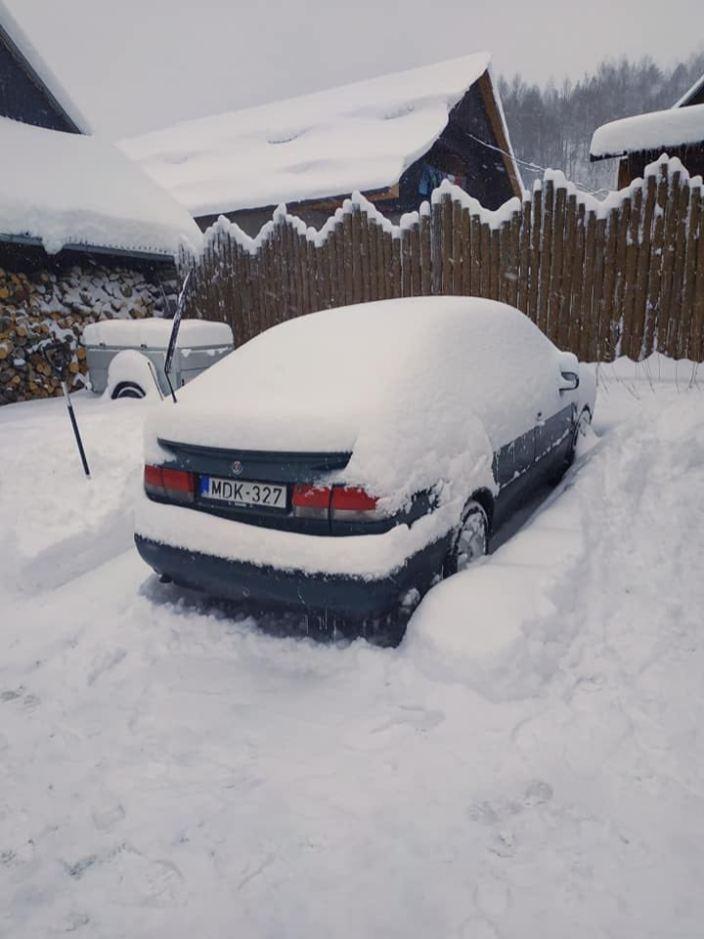Viel Schnee in Ungarn. Der 9-3 von Miklos.