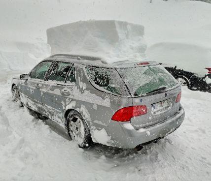 """Selten zu sehen. Der 9-5 """"Chrombrille"""" von Peter im Schnee."""