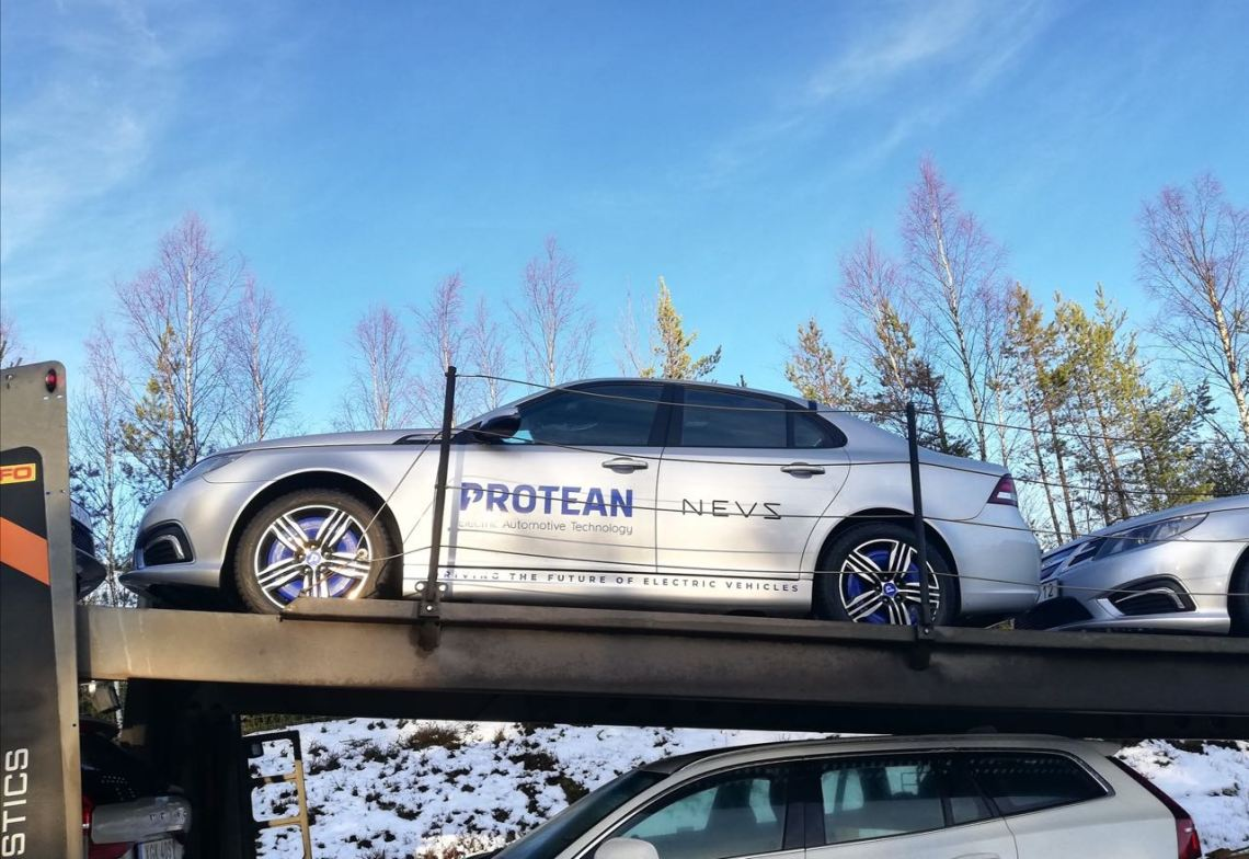NEVS 9-3 electric car with wheel hub motor from Protean