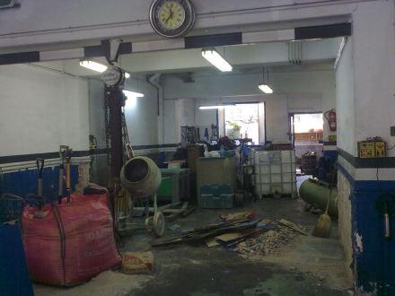 Die Werkstatt nach der Übernahme, sie wird umgbaut