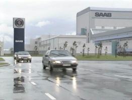 Saab 9000 e Citroën XM saem da fábrica da Saab