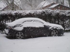 O Turbo X de Jürgen Wolf está bem nevado perto de Wolfsburg