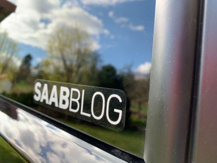 Die Saabblog Aufkleber gibt es in zwei Versionen