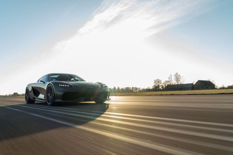 Der Koenigsegg Gemera auf dem Track